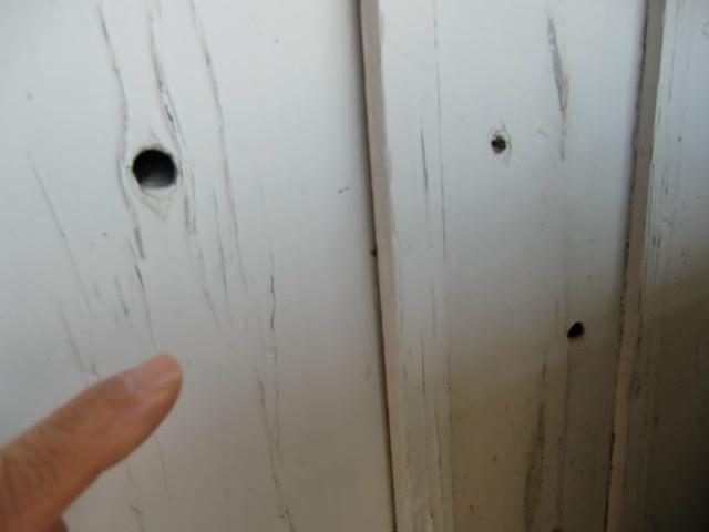 戦争語り継ぐJR橋本駅の銃弾跡残る板壁、丸山公園内に移設展示へ。傷痍軍人会