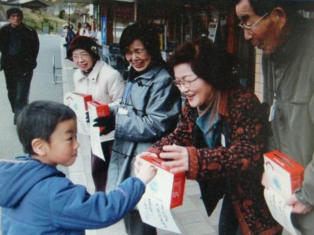 被災地の子ども支援…橋本ユネスコ募金活動