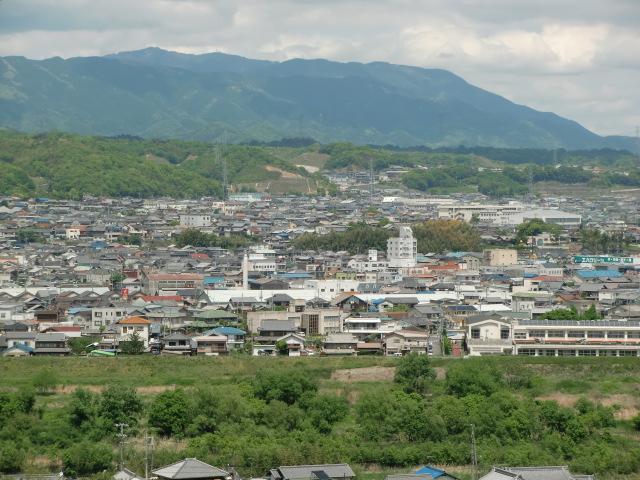 紙遊苑から橋本方面を望む(左)
