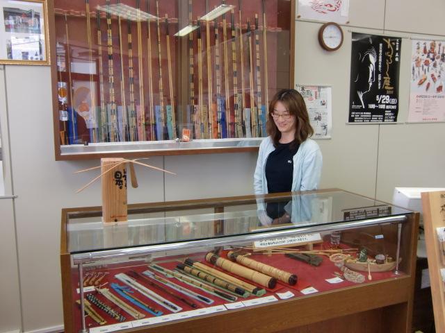 へら竿や再織…展示即売、橋本駅前観光案内所