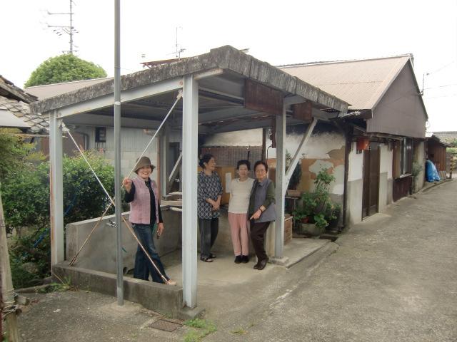 古井戸の建て屋は閑静な住宅地の中にある