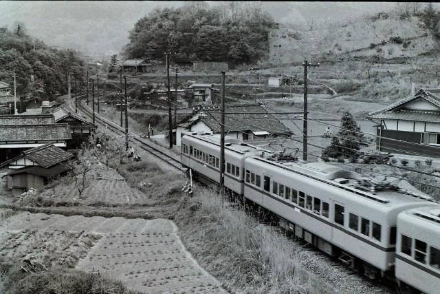 車窓に互干し風景~1970年代の小原田