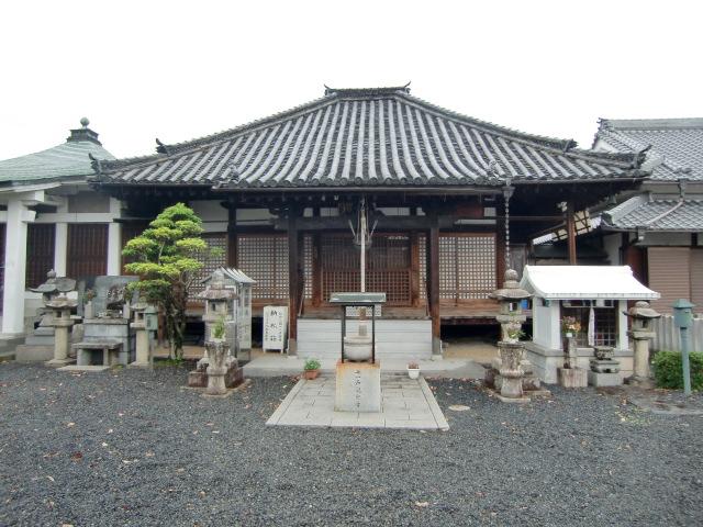 文殊菩薩像の開眼法要が営まれる普門院本堂