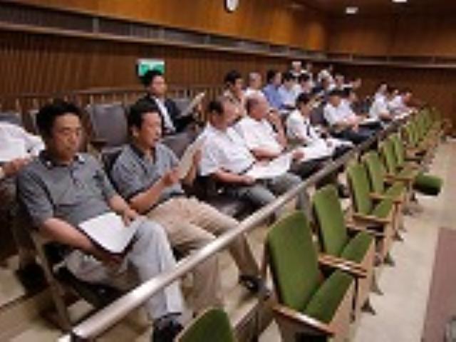 橋本市議会を商工業20人傍聴~〝発展論議〟期待