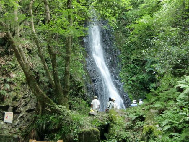 荘厳で美しい玉川峡の五光の滝