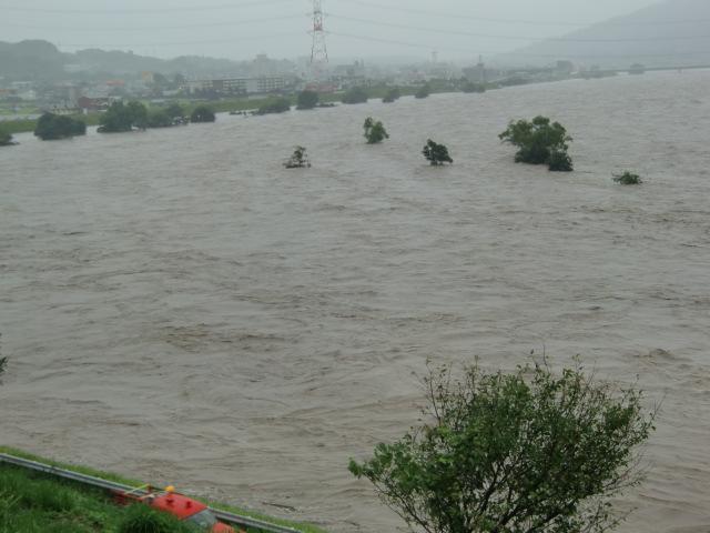 水位がどんどん上昇している紀ノ川