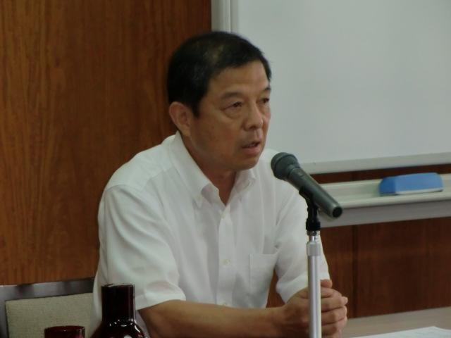 岡潔さんについて横山さんの講演を聴く市議や市職員ら