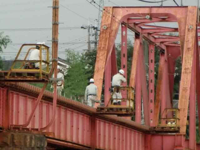 台風で不具合が生じた南海高野線・紀ノ川鉄橋