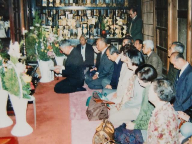 橋本中学校の同窓生追善法要を営む「26会」(第1回、高野山無量光院で)