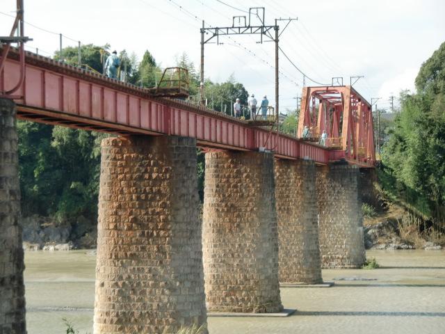 検証ができないでいる南海高野線紀ノ川鉄橋の橋脚