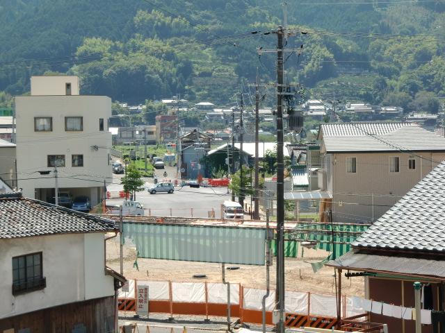 紀ノ川・橋本橋北詰から駅前寺脇線にかけての古佐田橋本線の建設現場周辺