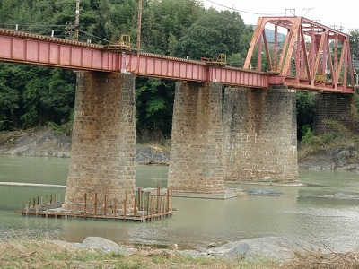 仮復旧工事が完了した南海高野線・紀ノ川鉄橋