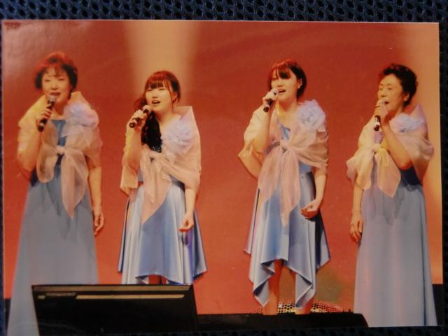 出演する(右から)山田冨美子さん、山本記代さん、山田ひとみさん、山田登茂子さん
