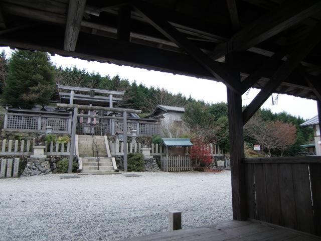 標高552メートルの国城山にある国城神社