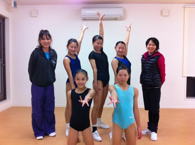 第1回アジアエアロビクス選手権大会に出場する児童生徒たち