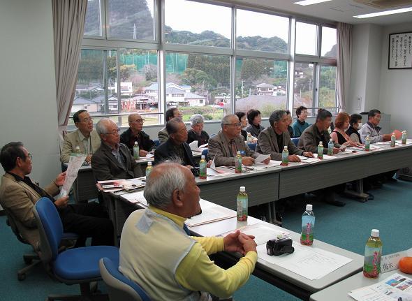 〝交流会〟に出席した「橋本市民大学」の学生たち