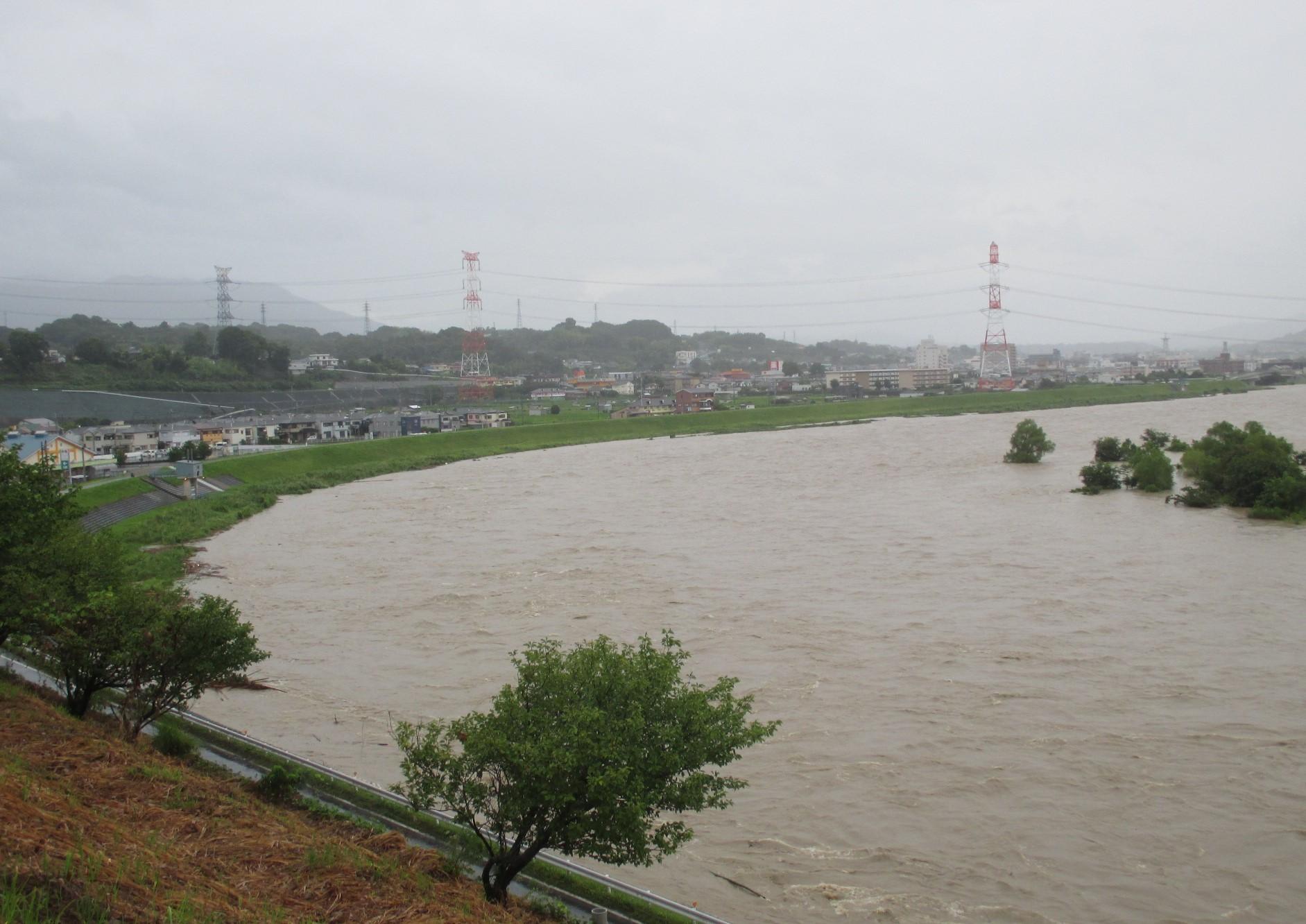 台風11号、紀の川に濁流!~避難勧告や通行止めも | 高野山麓 橋本新聞