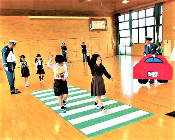 通園・通学を安全に…♪橋本全域で子どもたち訓練