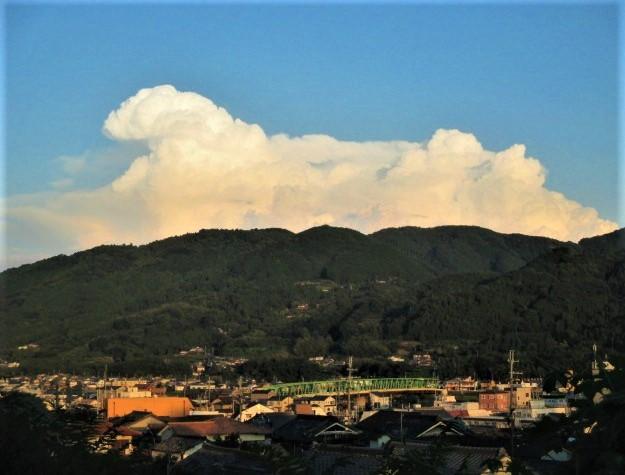 でっかい「羊雲」が出現!橋本・紀伊山地の大空