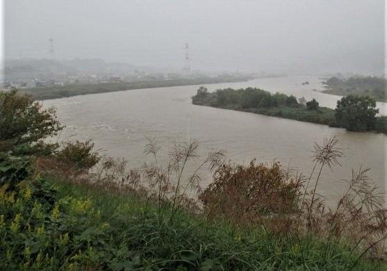 学文路2団地など避難指示!台風21号で紀の川増水