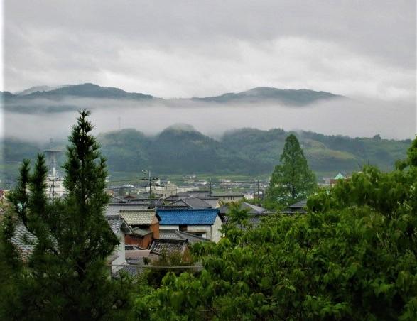 長い棚雲、山河潤す♪橋本・伊都のGW明け情緒