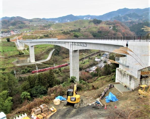 絶景、高架橋が完成♪紀の川フルーツライン延伸期待