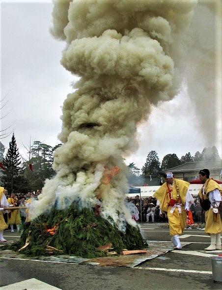 平成最後の高野の火まつり!2500人諸願成就祈る