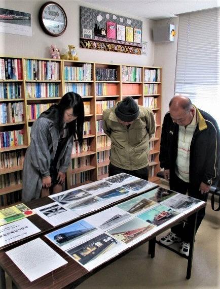 祝・改元「お召列車 写真展」♪橋本駅ゆかいな図書館