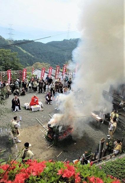 令和初の躑躅祭り♪堀越癪観音~護摩祈祷や火生三昧