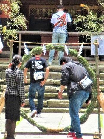 さあ、茅の輪くぐり♪30日・大祓式~丹生都比売神社
