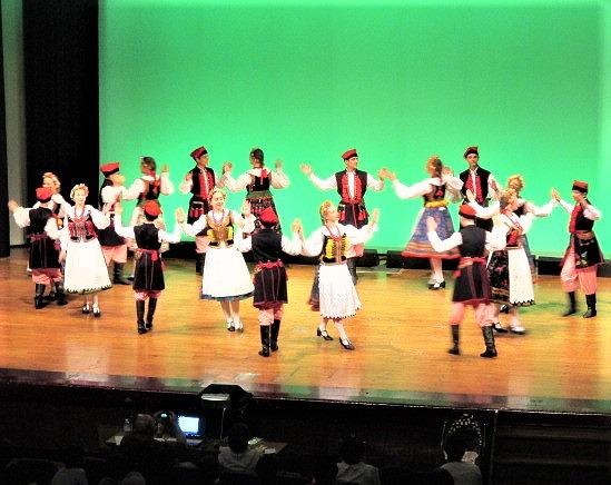 素敵、ポーランド民族舞踊♪橋本の子供たち大歓声