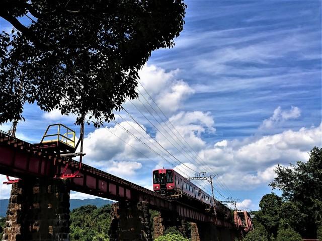 そこに♪電車のある風景~「志野」テーブル写真展
