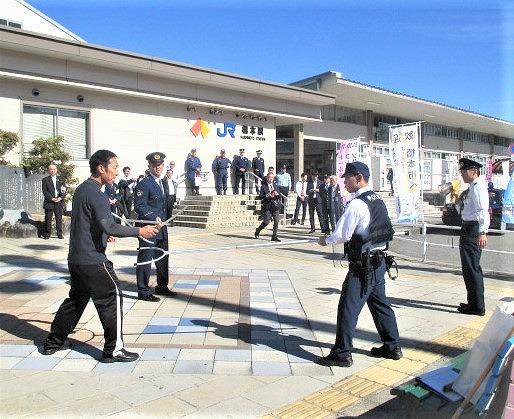 橋本駅で刃物テロ!JRや警察~対処訓練・通報啓発